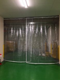 防風ビニールカーテン